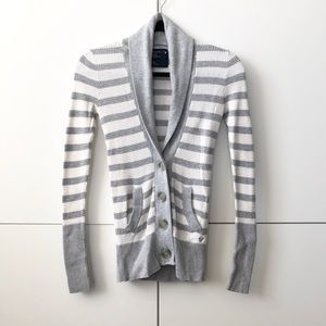 2/25 American Eagle button front striped cardigan